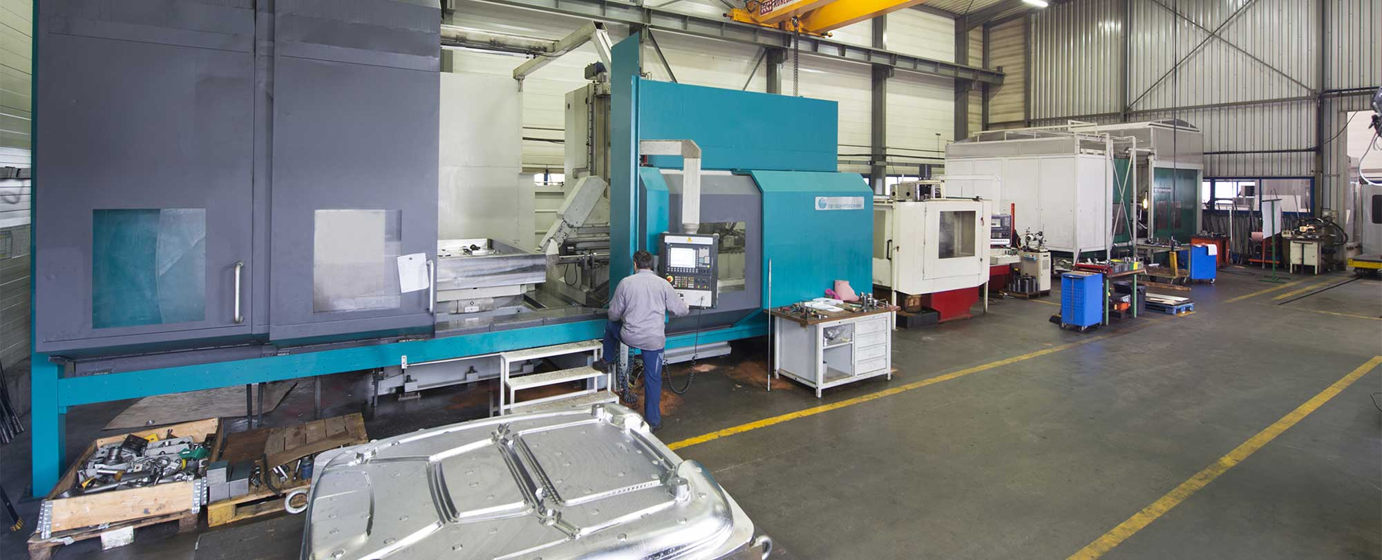 DMM - A large machine park for custom machining of your metal molds